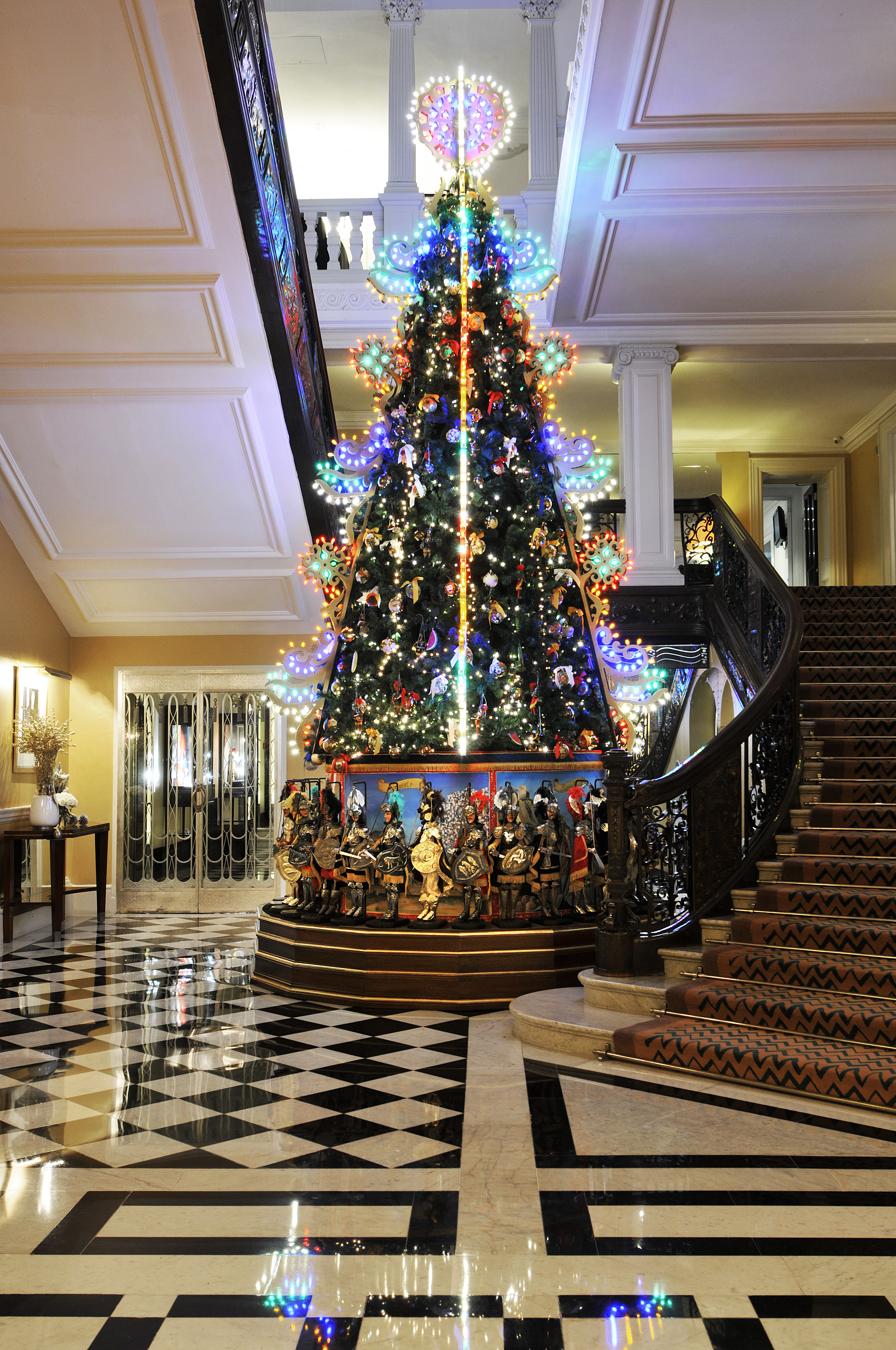 Cool Christmas Trees.Christmas Trees The Cool List Boe Magazine
