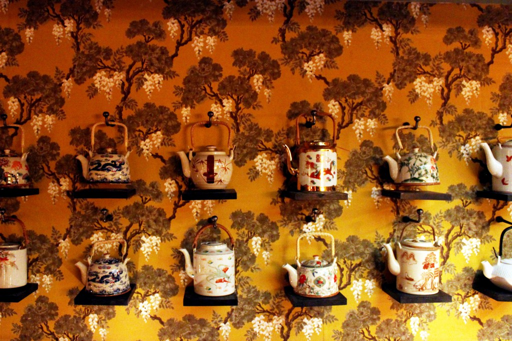 Teapots_Wall