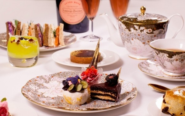 afternoon-tea-cakes-and-sandwiches-served-on-wedgewood-china-602x377